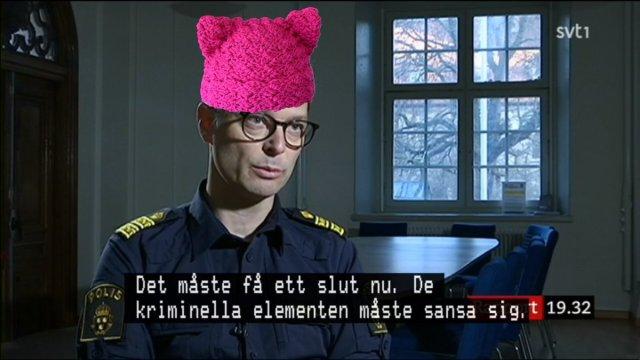 Svensk polis talar